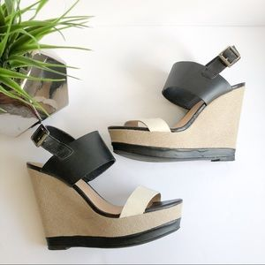Report black and white wedges size 8.5